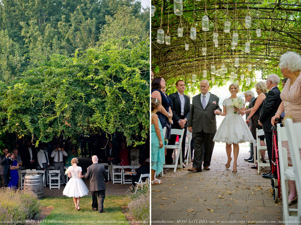 00287-MoscaStudio-Red-Ridge-Farms-Oregon-Wedding-Photography-20150822-SOCIALMEDIA.jpg