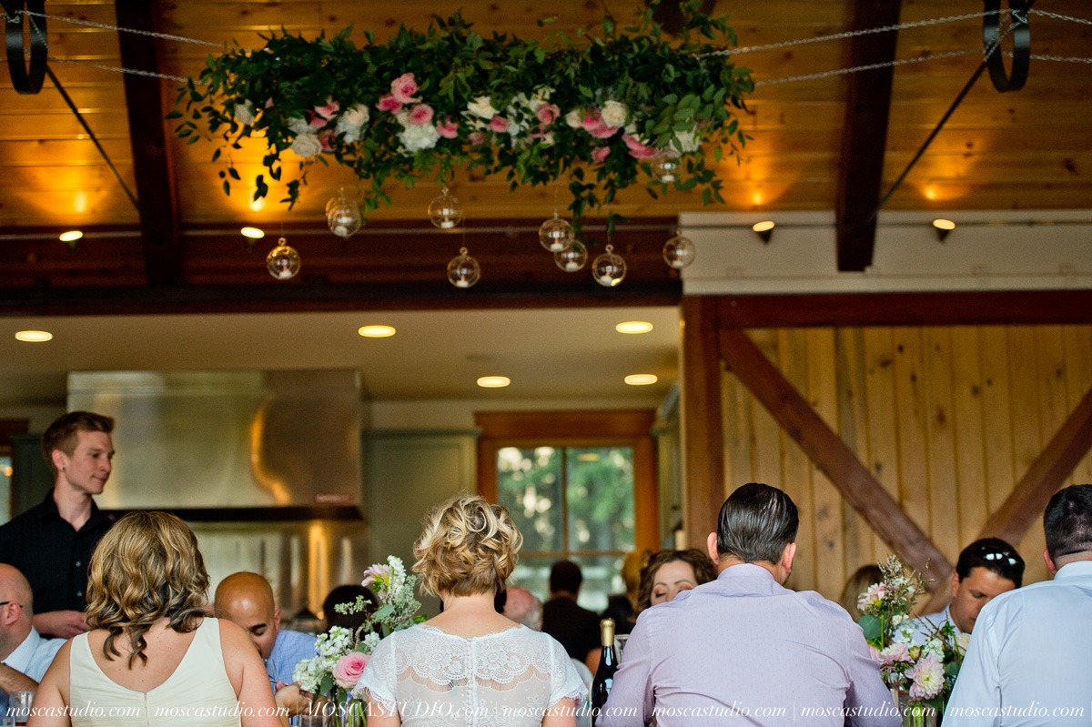 00338-MoscaStudio-Red-Ridge-Farms-Oregon-Wedding-Photography-20150822-SOCIALMEDIA.jpg