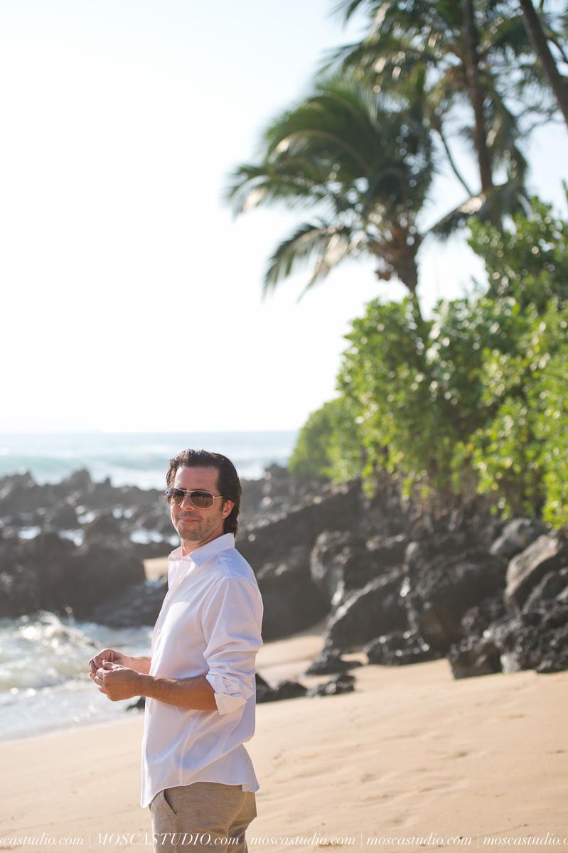 00026-MoscaStudio-AprilRyan-Maui-Hawaii-Wedding-Photography-20151009-SOCIALMEDIA.jpg