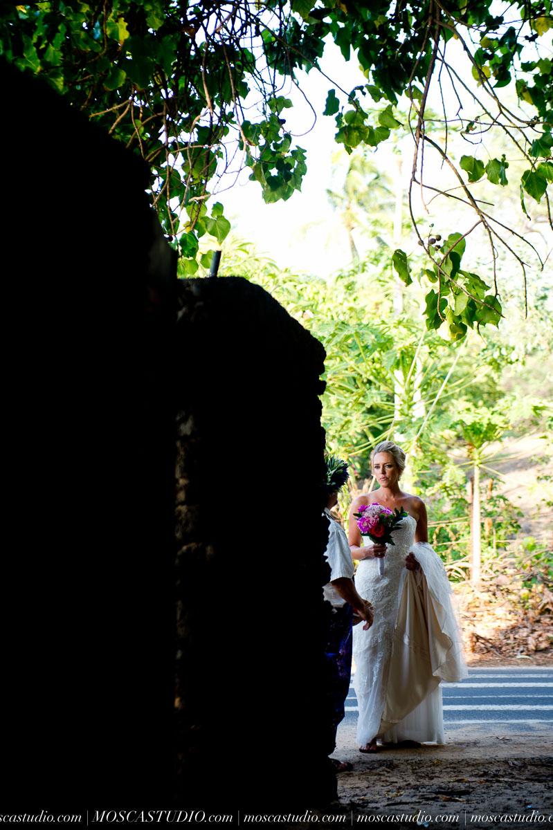 00045-MoscaStudio-AprilRyan-Maui-Hawaii-Wedding-Photography-20151009-SOCIALMEDIA.jpg