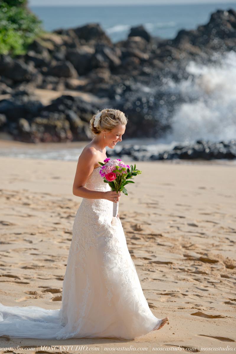 00069-MoscaStudio-AprilRyan-Maui-Hawaii-Wedding-Photography-20151009-SOCIALMEDIA.jpg