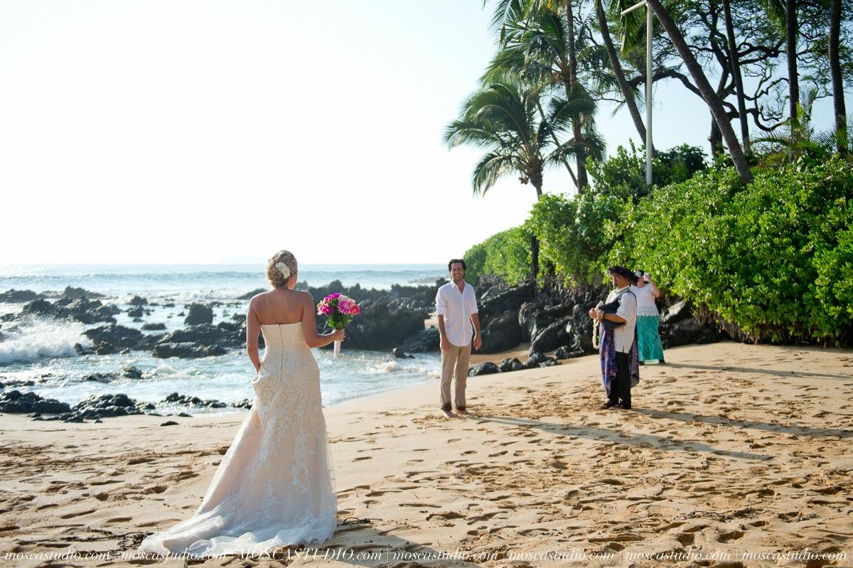 00083-MoscaStudio-AprilRyan-Maui-Hawaii-Wedding-Photography-20151009-SOCIALMEDIA.jpg