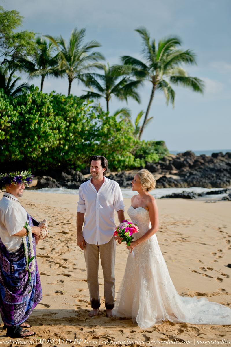 00094-MoscaStudio-AprilRyan-Maui-Hawaii-Wedding-Photography-20151009-SOCIALMEDIA.jpg