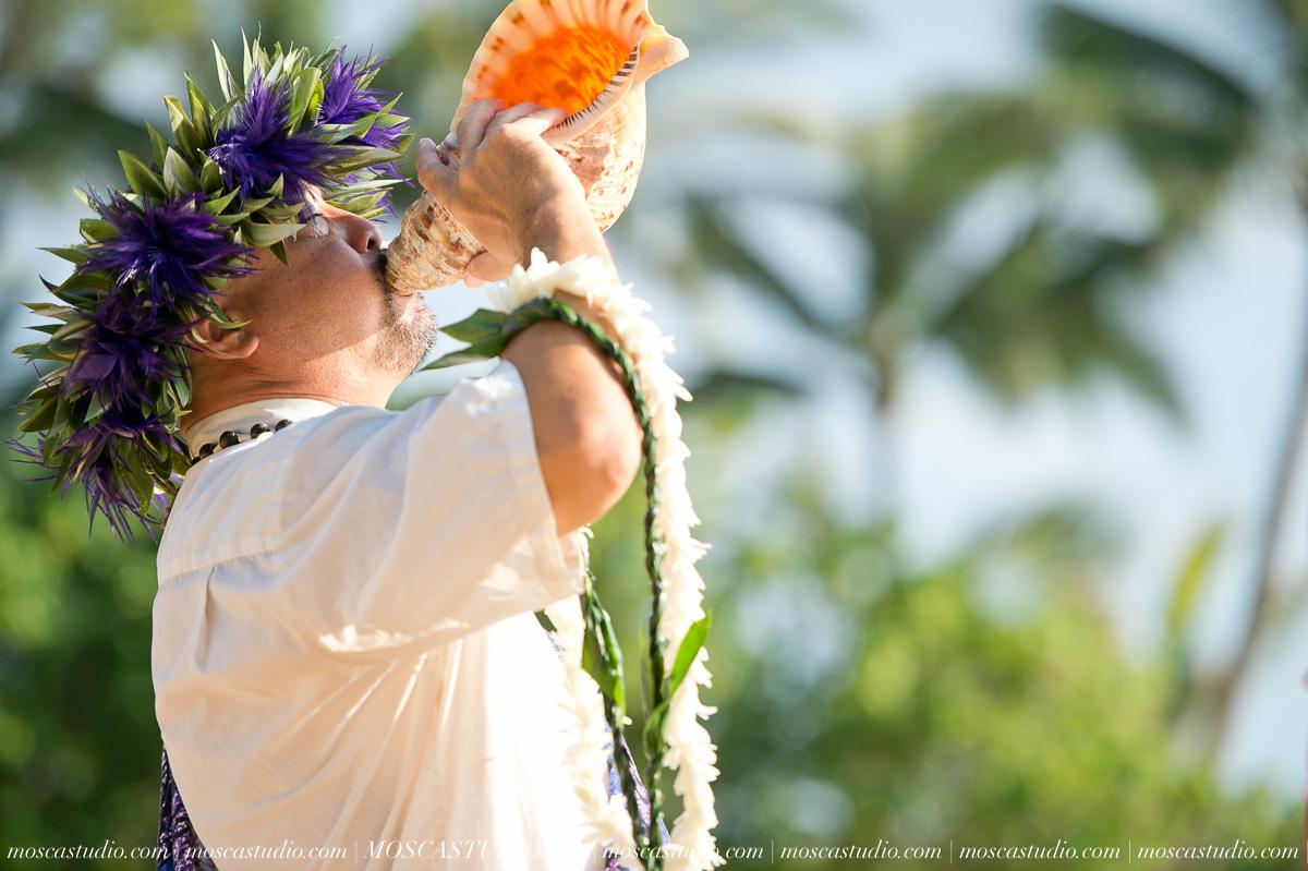 00110-MoscaStudio-AprilRyan-Maui-Hawaii-Wedding-Photography-20151009-SOCIALMEDIA.jpg