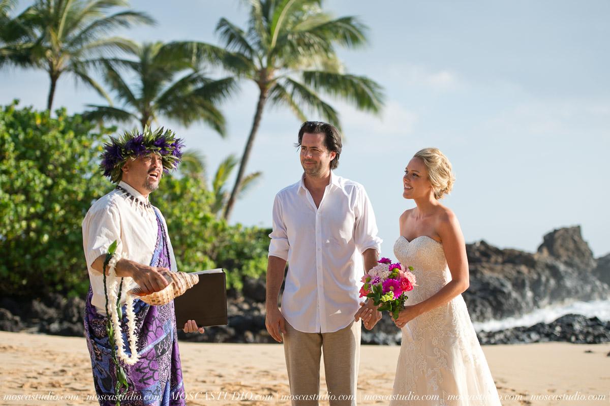 00098-MoscaStudio-AprilRyan-Maui-Hawaii-Wedding-Photography-20151009-SOCIALMEDIA.jpg