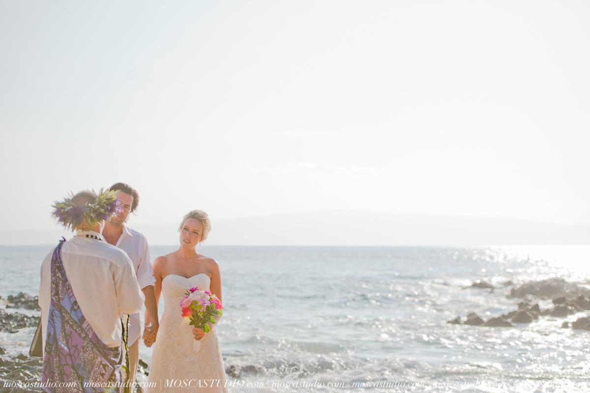 00137-MoscaStudio-AprilRyan-Maui-Hawaii-Wedding-Photography-20151009-SOCIALMEDIA.jpg