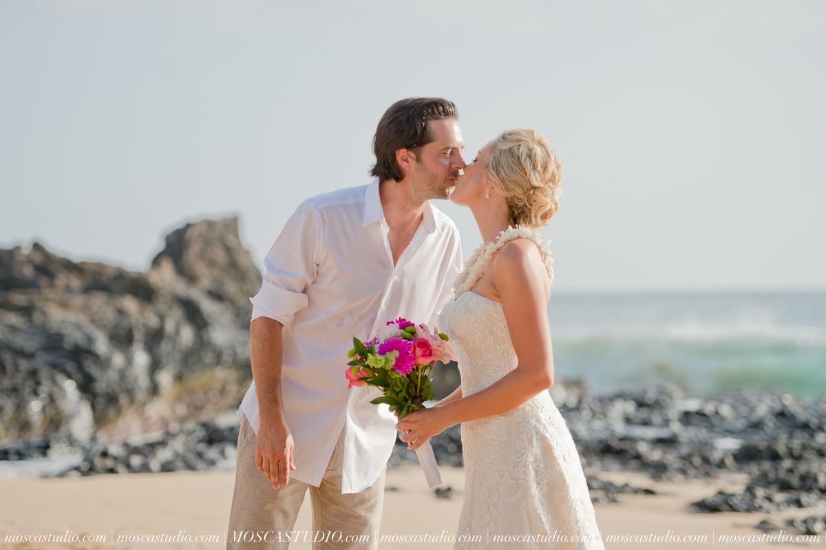 00167-MoscaStudio-AprilRyan-Maui-Hawaii-Wedding-Photography-20151009-SOCIALMEDIA.jpg
