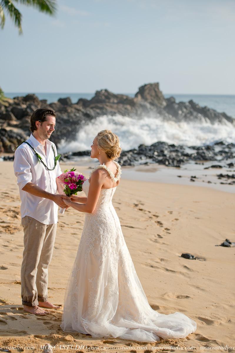 00249-MoscaStudio-AprilRyan-Maui-Hawaii-Wedding-Photography-20151009-SOCIALMEDIA.jpg