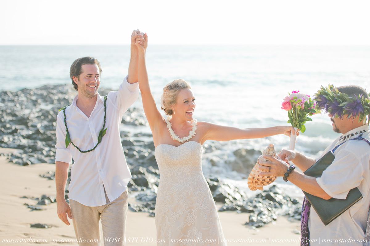 00352-MoscaStudio-AprilRyan-Maui-Hawaii-Wedding-Photography-20151009-SOCIALMEDIA.jpg