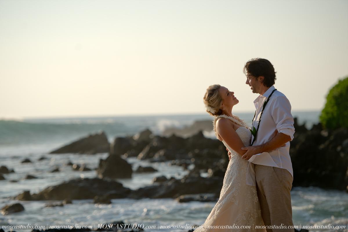 00432-MoscaStudio-AprilRyan-Maui-Hawaii-Wedding-Photography-20151009-SOCIALMEDIA.jpg