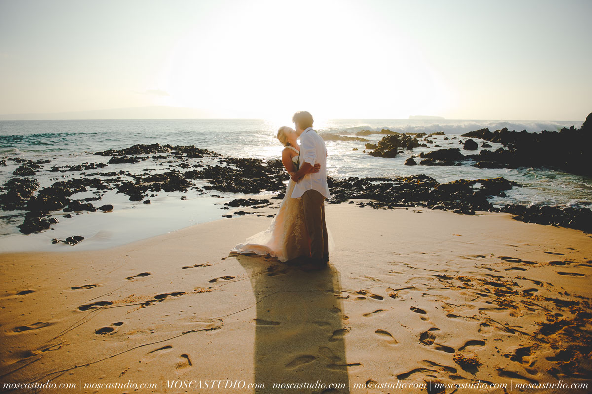 00444-MoscaStudio-AprilRyan-Maui-Hawaii-Wedding-Photography-20151009-SOCIALMEDIA.jpg