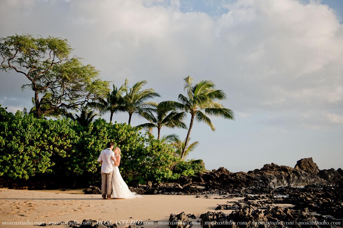 00446-MoscaStudio-AprilRyan-Maui-Hawaii-Wedding-Photography-20151009-SOCIALMEDIA.jpg