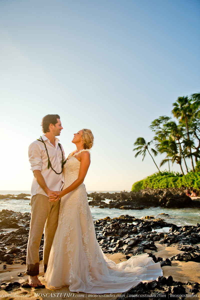 00488-MoscaStudio-AprilRyan-Maui-Hawaii-Wedding-Photography-20151009-SOCIALMEDIA.jpg