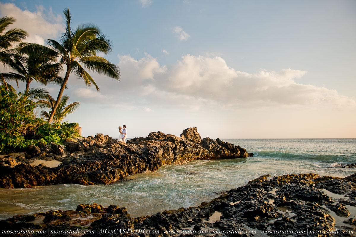 00536-MoscaStudio-AprilRyan-Maui-Hawaii-Wedding-Photography-20151009-SOCIALMEDIA.jpg