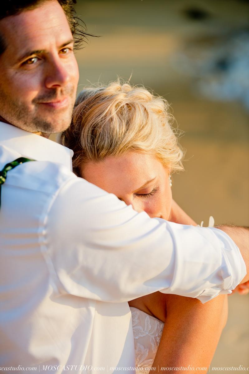 00554-MoscaStudio-AprilRyan-Maui-Hawaii-Wedding-Photography-20151009-SOCIALMEDIA.jpg