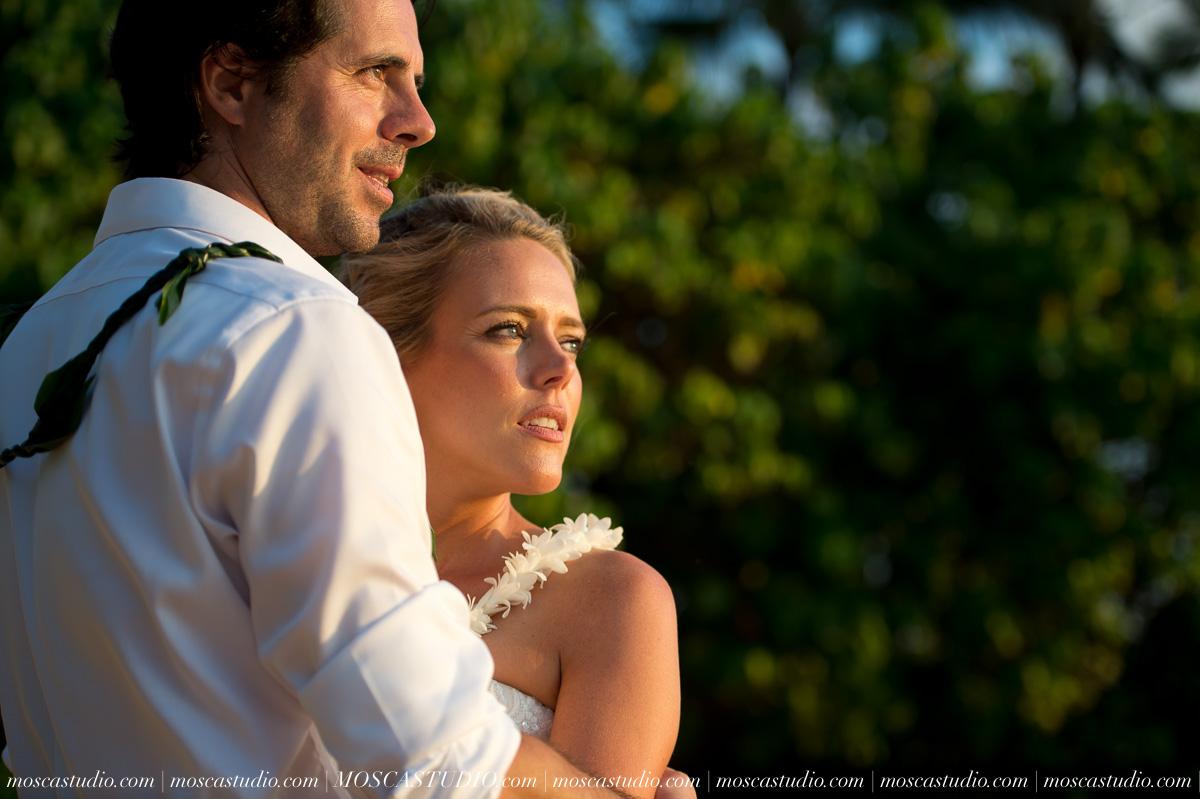 00559-MoscaStudio-AprilRyan-Maui-Hawaii-Wedding-Photography-20151009-SOCIALMEDIA.jpg