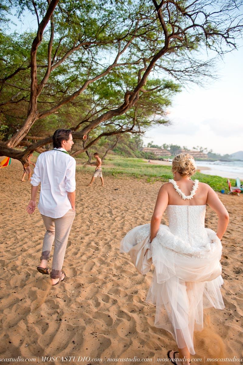 00561-MoscaStudio-AprilRyan-Maui-Hawaii-Wedding-Photography-20151009-SOCIALMEDIA.jpg
