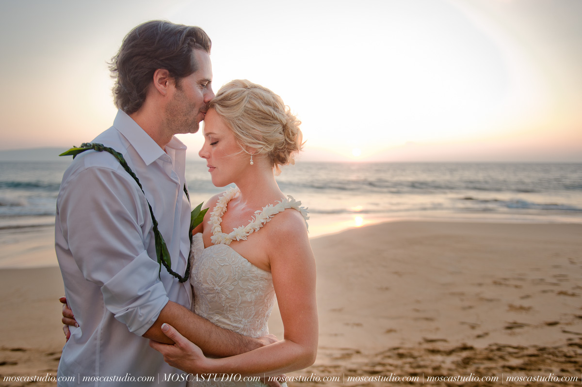 00563-MoscaStudio-AprilRyan-Maui-Hawaii-Wedding-Photography-20151009-SOCIALMEDIA.jpg