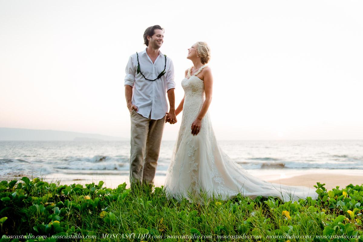 00574-MoscaStudio-AprilRyan-Maui-Hawaii-Wedding-Photography-20151009-SOCIALMEDIA.jpg