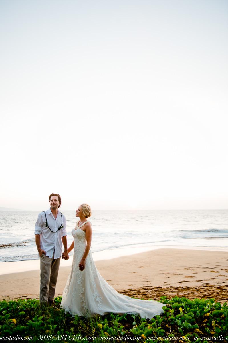 00571-MoscaStudio-AprilRyan-Maui-Hawaii-Wedding-Photography-20151009-SOCIALMEDIA.jpg