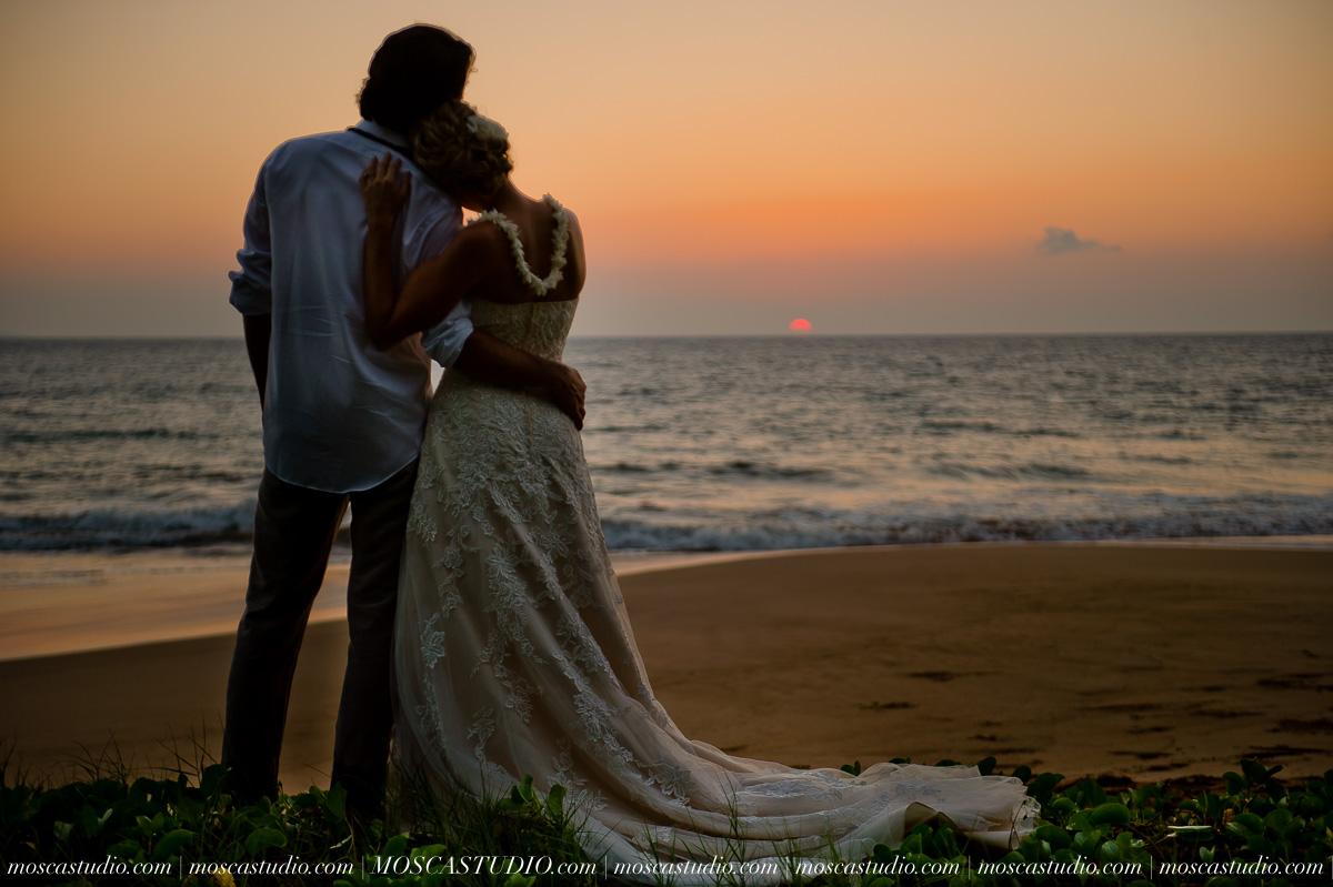 00585-MoscaStudio-AprilRyan-Maui-Hawaii-Wedding-Photography-20151009-SOCIALMEDIA.jpg