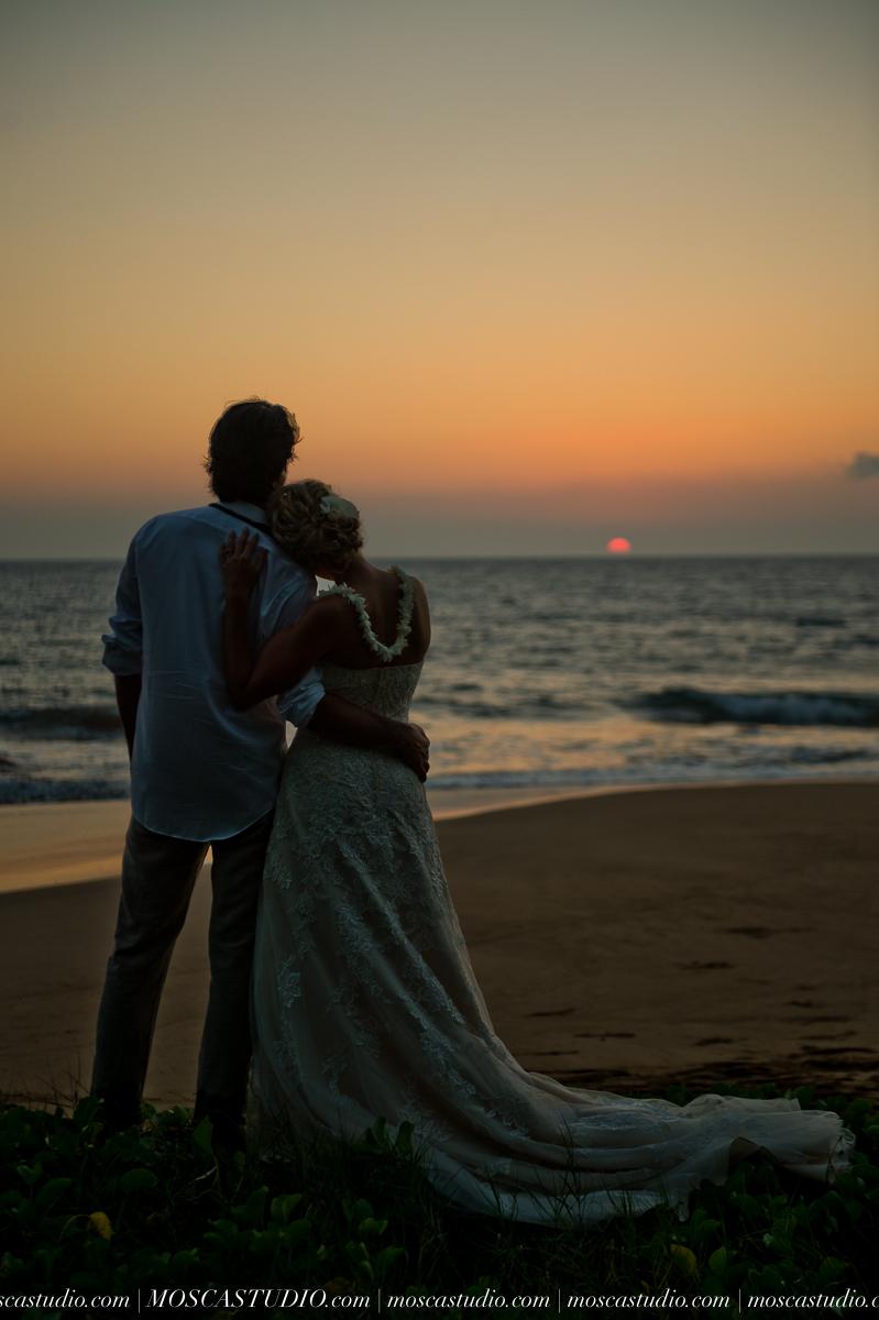 00582-MoscaStudio-AprilRyan-Maui-Hawaii-Wedding-Photography-20151009-SOCIALMEDIA.jpg