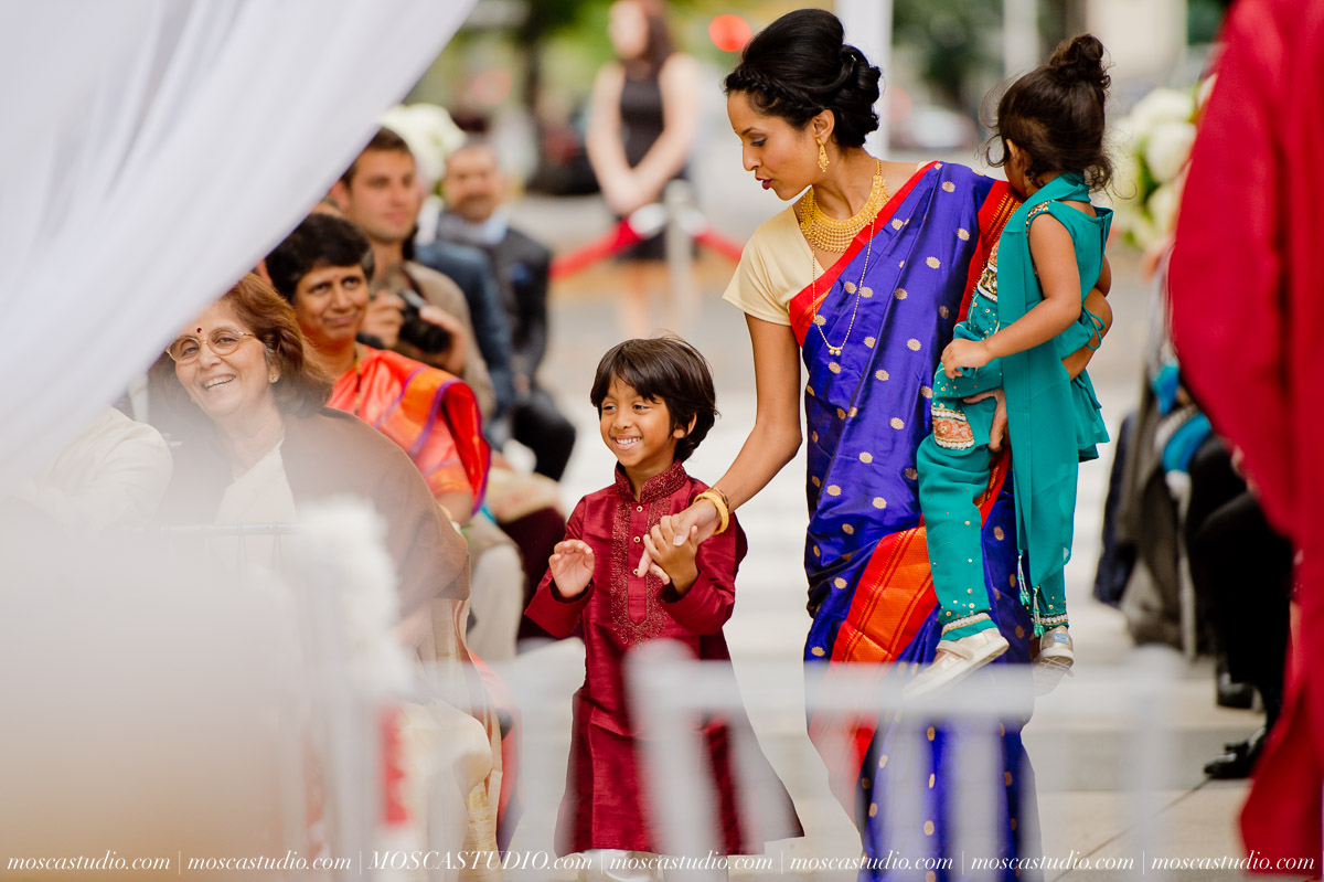0139-moscastudio-sararayan-portland-art-museum-hindu-persian-wedding-20151017-WEB.jpg