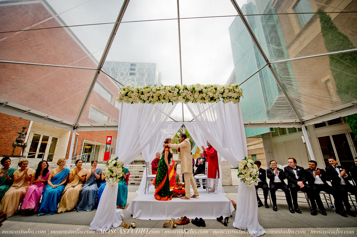 0164-moscastudio-sararayan-portland-art-museum-hindu-persian-wedding-20151017-WEB.jpg