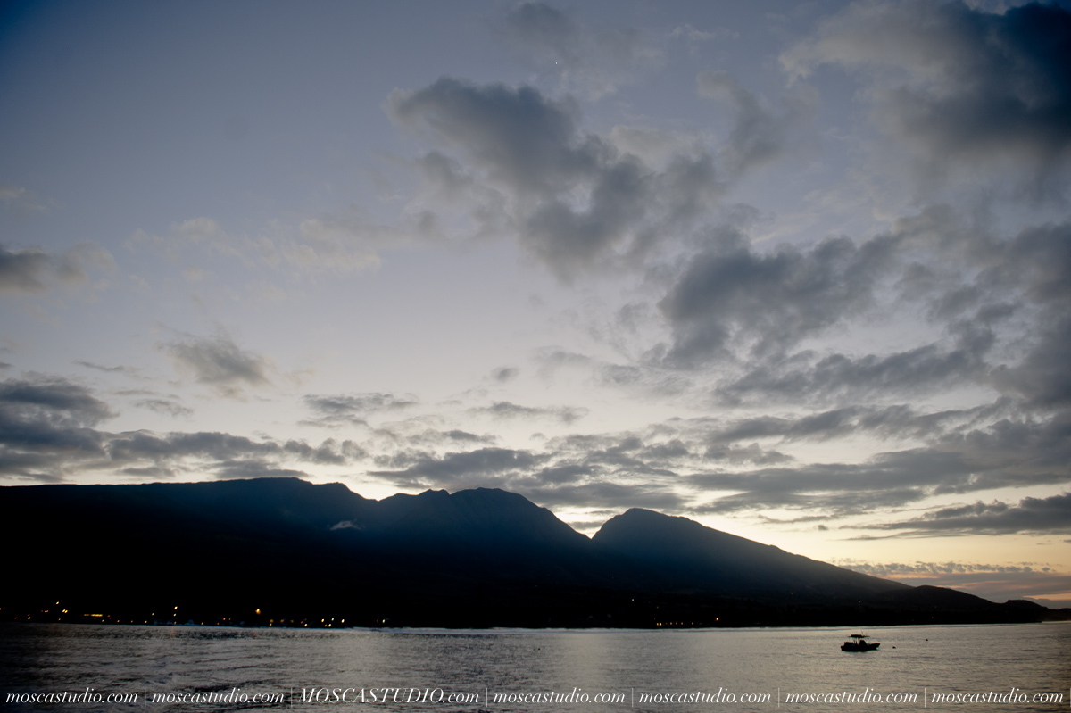 2-MoscaStudio-travel-photography-Maui-hawaii-travel-molokai-travel-20151014-SOCIALMEDIA.jpg
