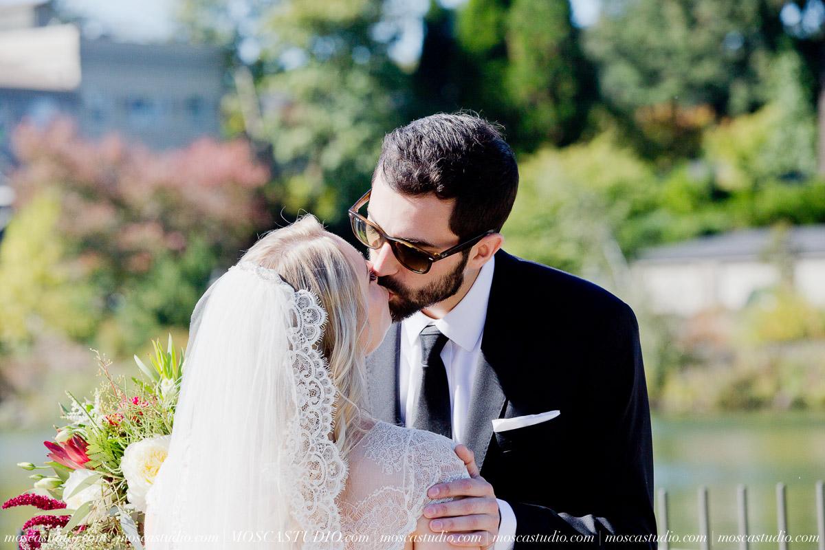 00149-moscastudio-lake-oswego-wedding-20160924-SOCIALMEDIA.jpg