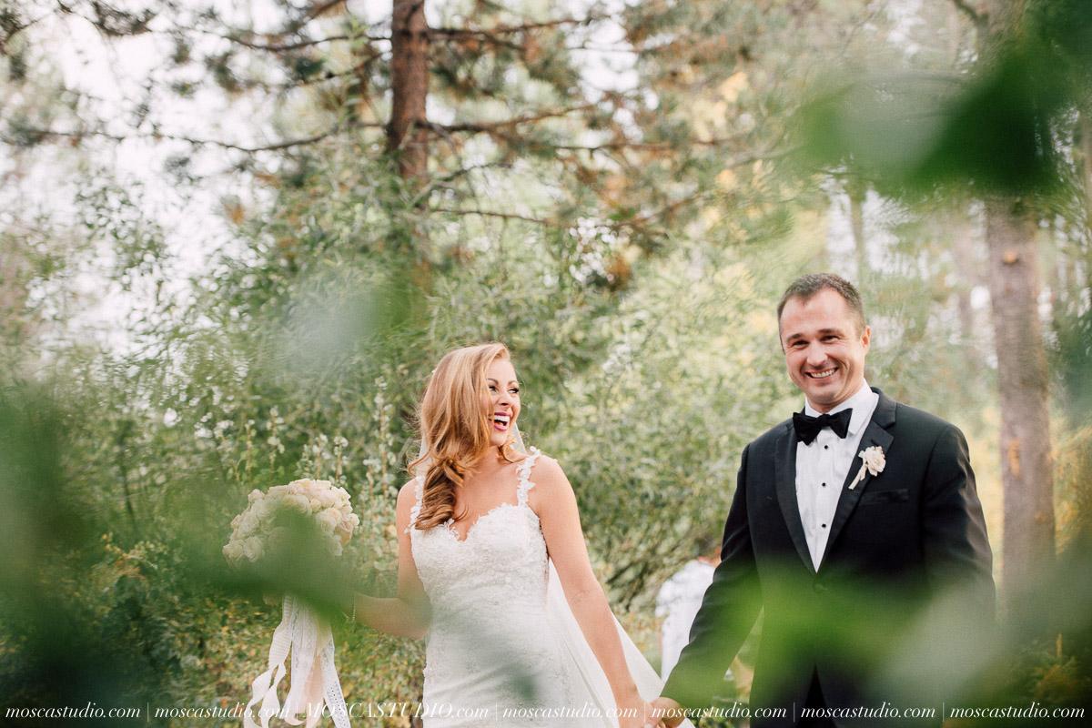 01568-moscastudio-kellyryan-sunriver-resort-wedding-20160917-SOCIALMEDIA.jpg