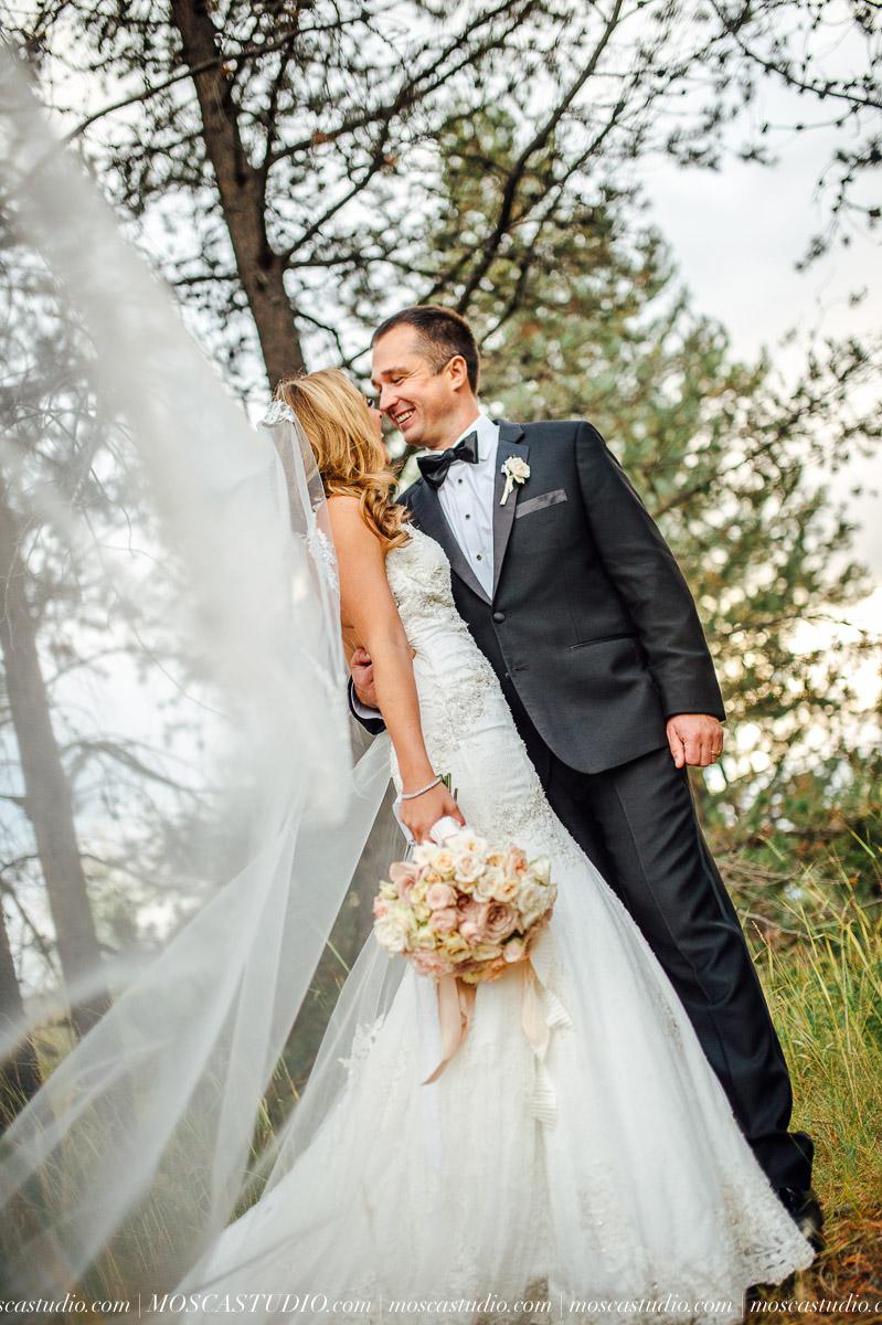 01589-moscastudio-kellyryan-sunriver-resort-wedding-20160917-SOCIALMEDIA.jpg