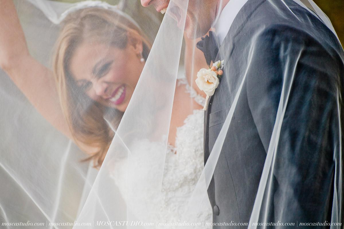 01617-moscastudio-kellyryan-sunriver-resort-wedding-20160917-SOCIALMEDIA.jpg