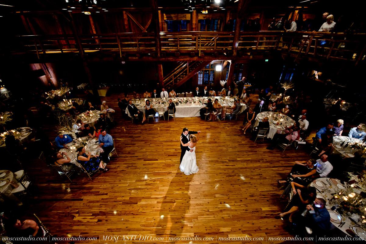 01853-moscastudio-kellyryan-sunriver-resort-wedding-20160917-SOCIALMEDIA.jpg
