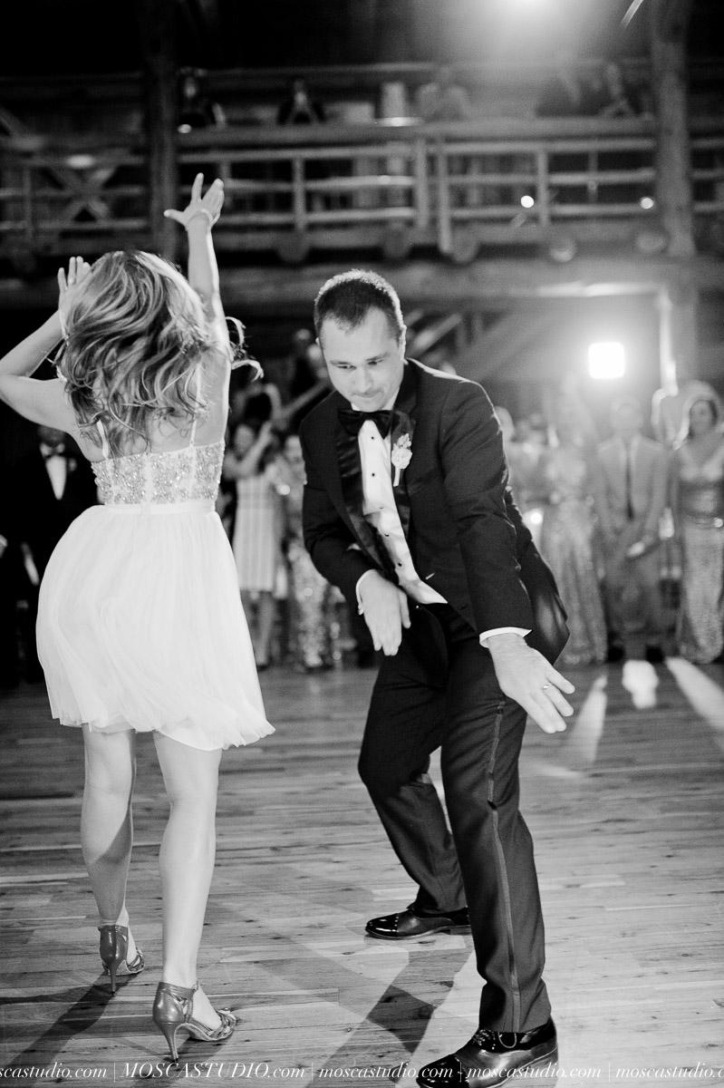 02108-moscastudio-kellyryan-sunriver-resort-wedding-20160917-SOCIALMEDIA.jpg