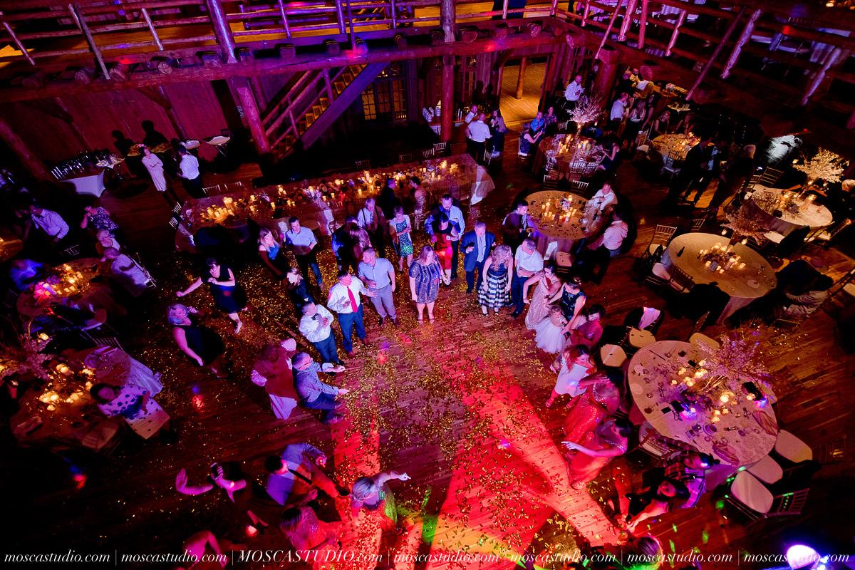 02266-moscastudio-kellyryan-sunriver-resort-wedding-20160917-SOCIALMEDIA.jpg