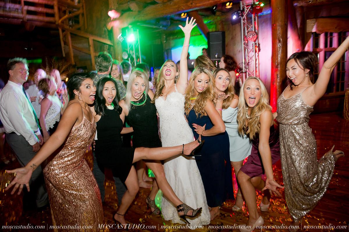 02466-moscastudio-kellyryan-sunriver-resort-wedding-20160917-SOCIALMEDIA.jpg