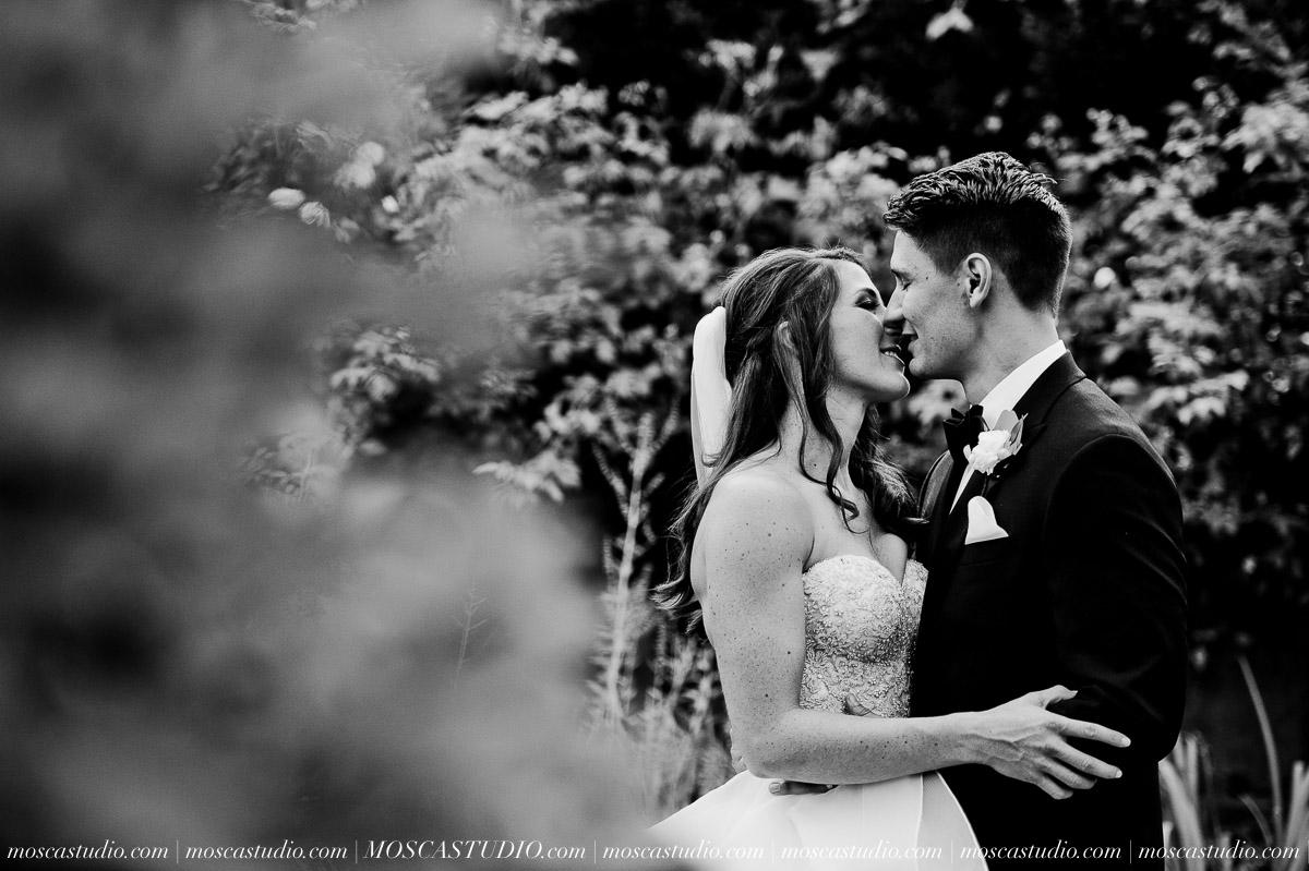 Kelsey & Jeff | Oregon Golf Club wedding day | Images by © http://MoscaStudio.com #moscastudio #seattleengagement #portlandwedding #oregonbride #matrimonio #weddingstyle