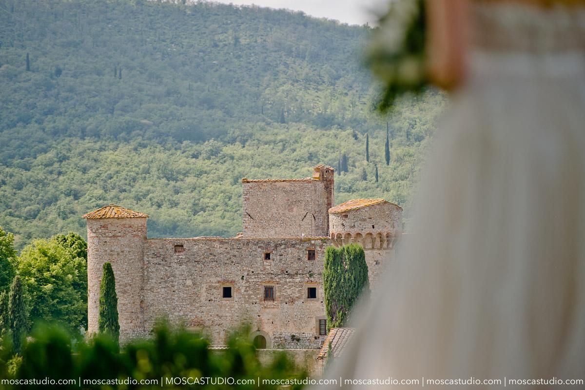 00060-moscastudio-castello-di-meleto-20180512-wedding-preview-online.jpg
