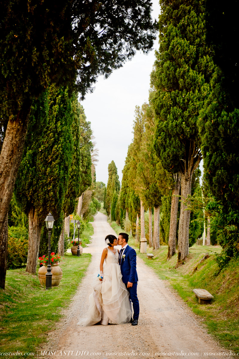 Xiao & MircoTuscany, ItalyMay 2015 - We had an amazing experience with Alice and MoscaStudio, not only we got incredible pictures of our wedding but we also had a lot of fun taking them. Alice is particularly good in capturing the moment and bringing out the real you so that each picture becomes something truly special that you will enjoy looking at for many and many years to come. My wife and I would definitely recommend MoscaStudio to anybody looking for top quality photographers for such an unforgettable moment.~ Mirco