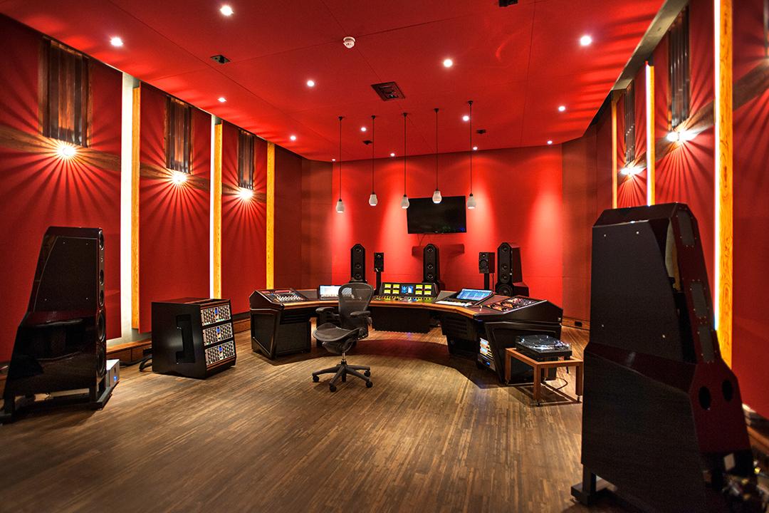 WisseloordStudios_mastering2.jpg