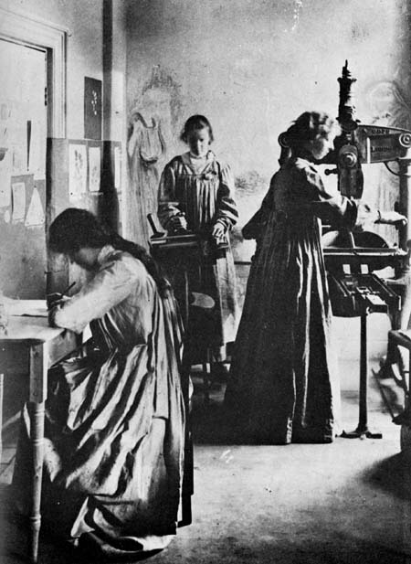 Elizabeth Yeats (William Buter's sister) established the Cuala Press in Ireland (beginning in 1906 as the Dun Emer Press)
