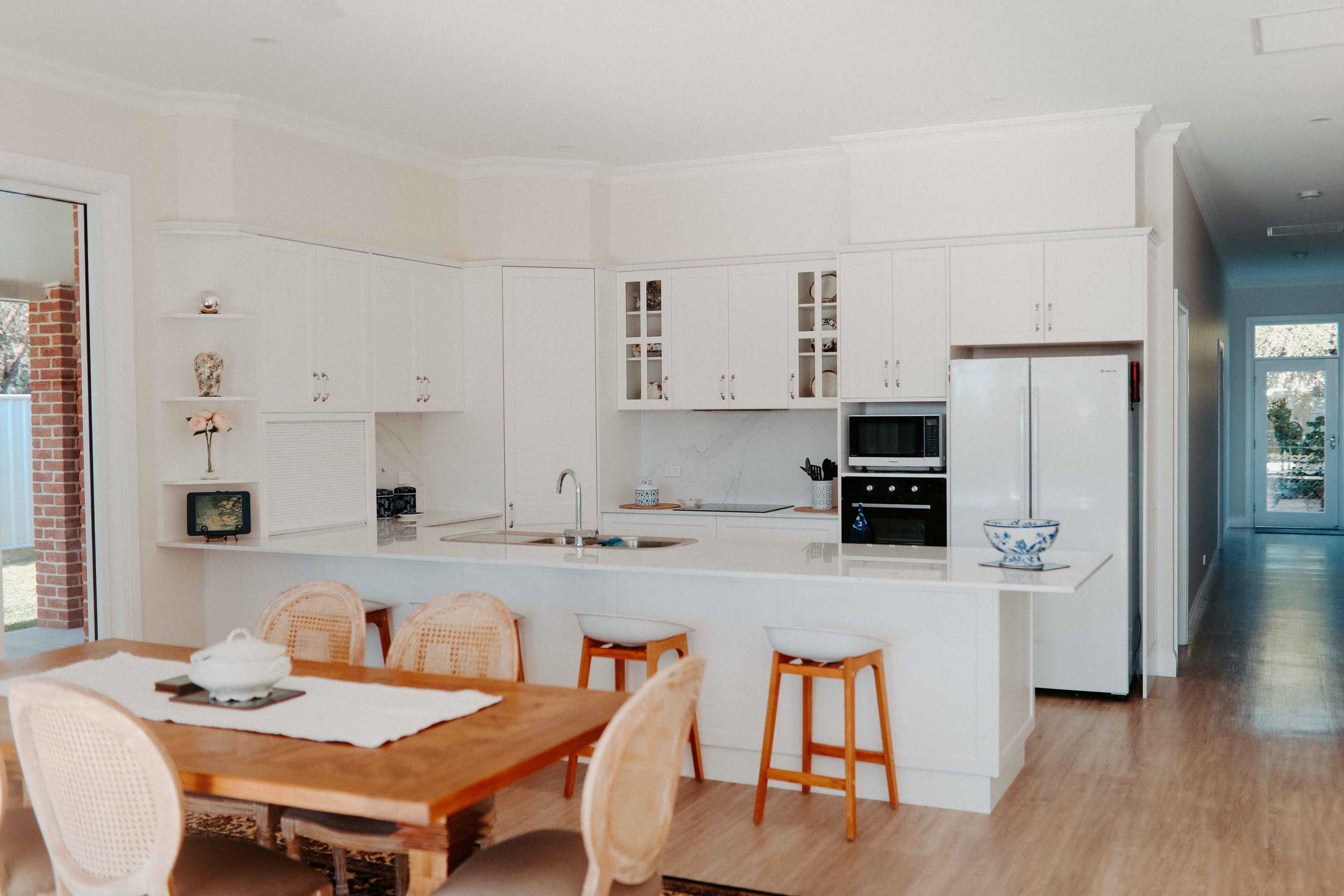 Heritage cross Hamptons style kitchen and dining