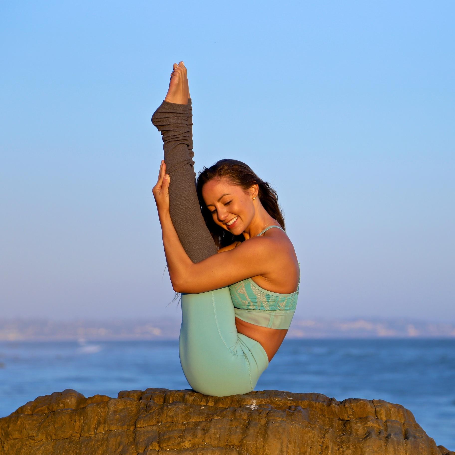 Alo Yoga - Jacquelyn