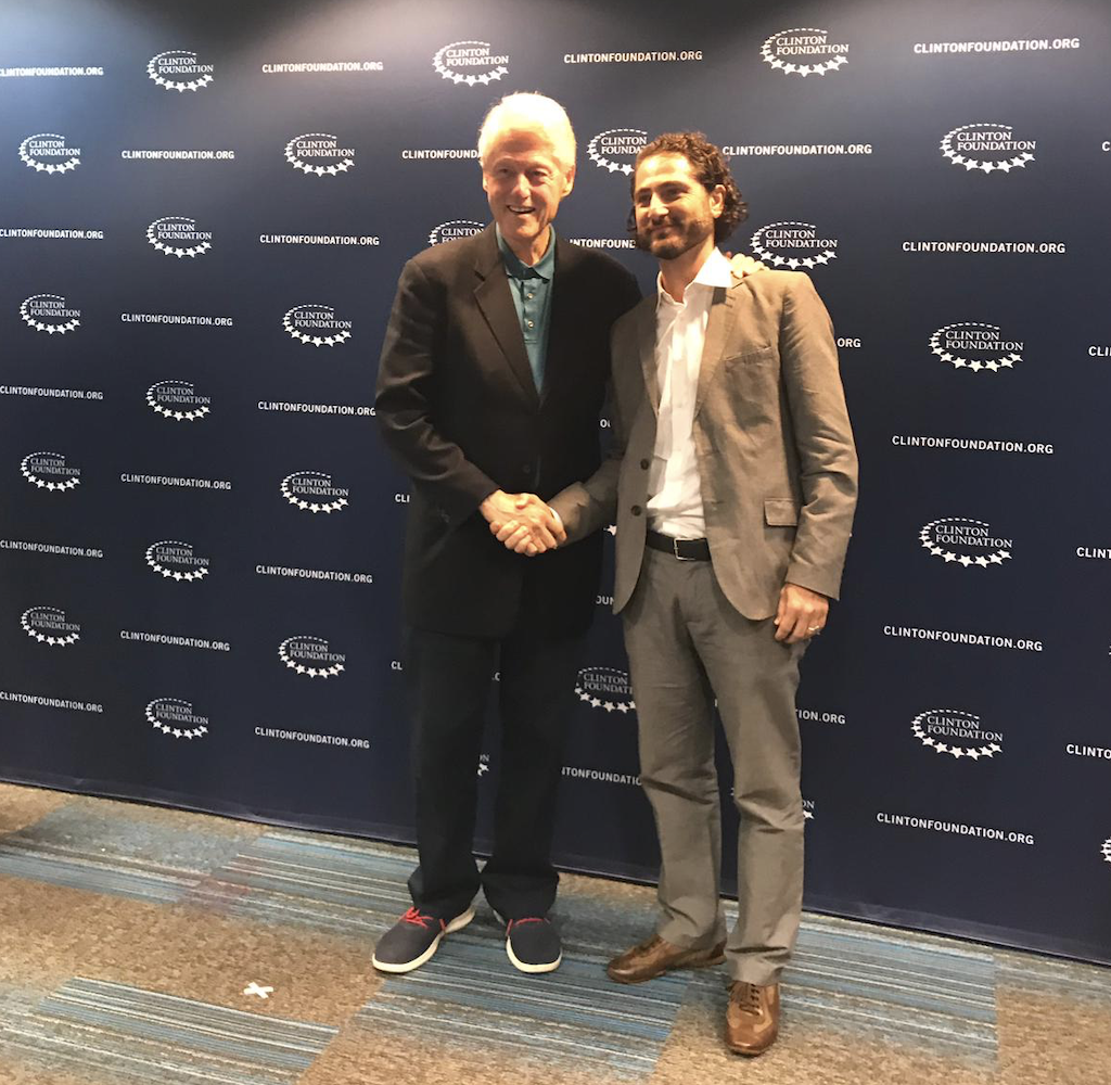 Solar Head of State board member Francesco Ranieri meets with Former US Present Bill Clinton.