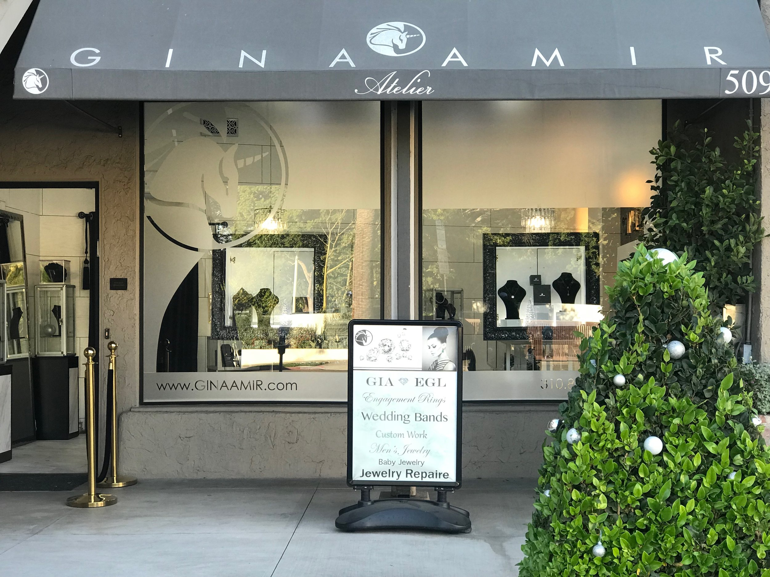 Gina Amir Store Front 1.JPG