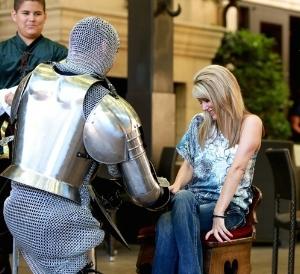 179e188a6b30a436c9e3027ec59dcd36--knight-in-shining-armor-proposals.jpg