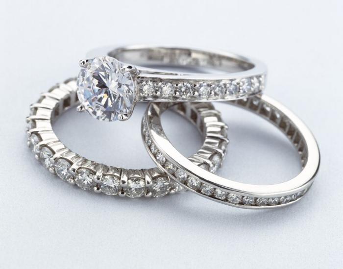 women-s-diamond-rings-200432721-001-571ea20c3df78c56409cce30.jpg