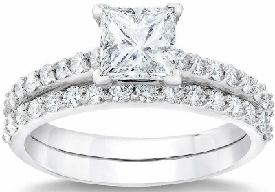 Princess+Cut+2.68+ctw+VVS2+Clarity,+G+Color+Diamond+Platinum+Wedding+Set+1.jpg