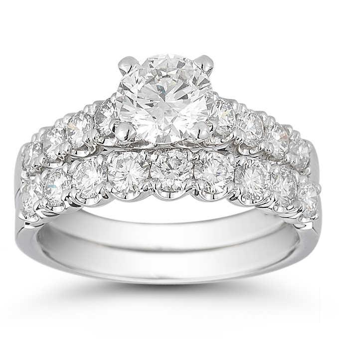 round diamond ring nd bad set.jpg